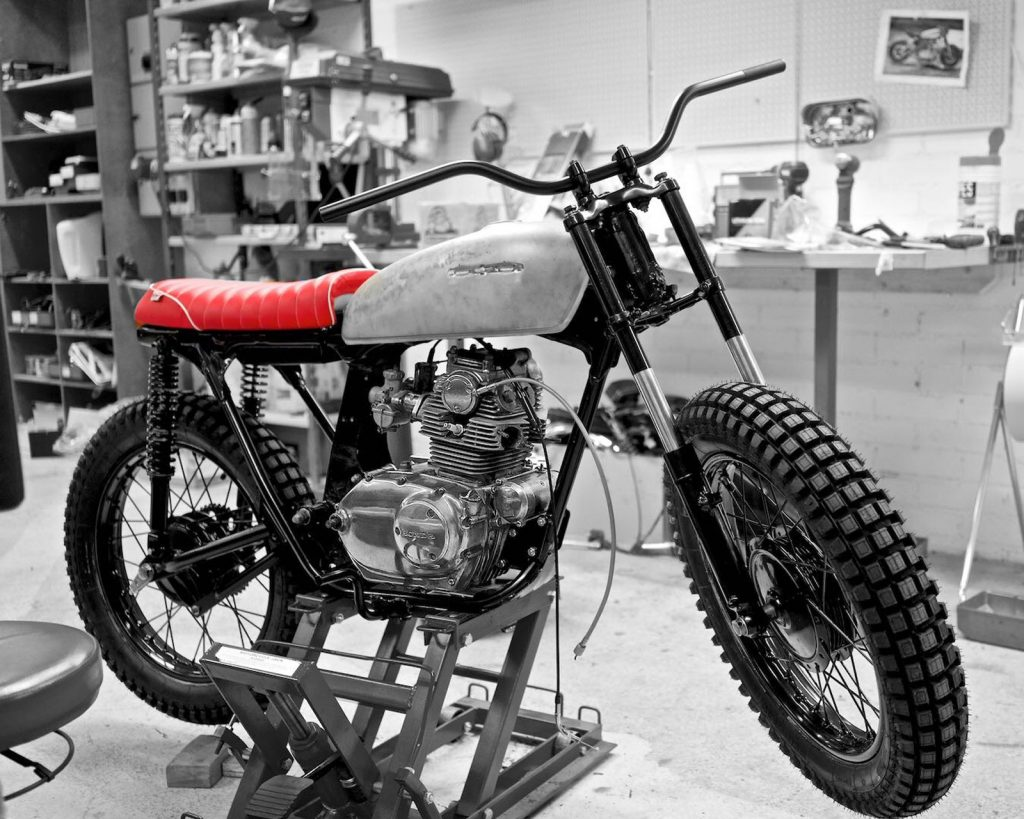 What, it is 6V? No, we need 12V! - Honda CB 125 Project